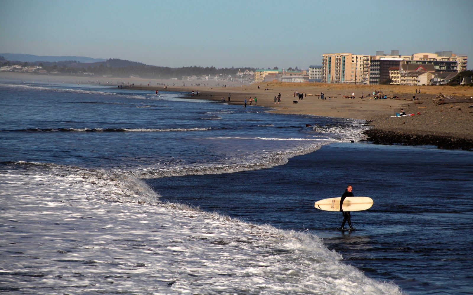Surfing In Oregon Yes The North Coast Has Some Of Best Breaks Pacific Northwest And Ocean Is A Bit Nippy But That S What Wetsuits